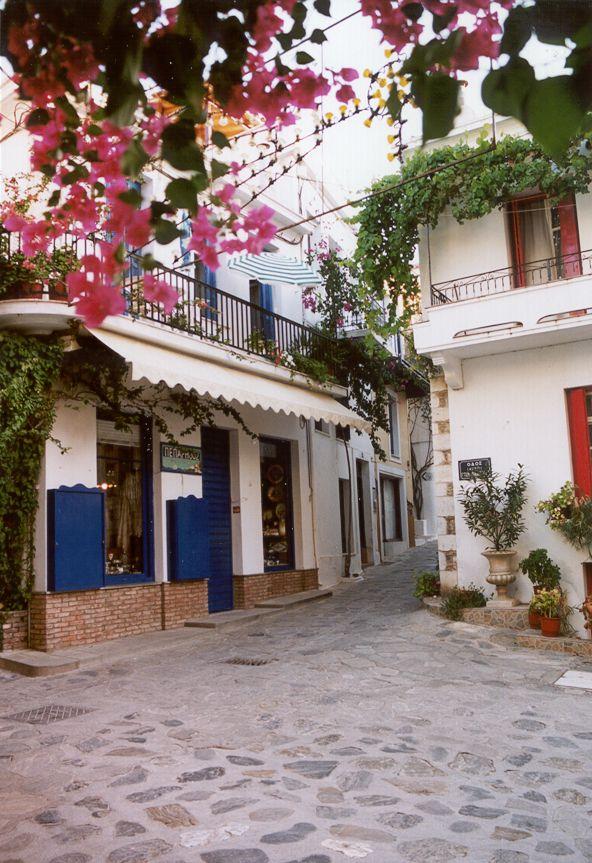 http://cires.colorado.edu/~khalsa/Greece_2002/skopelos2.jpg